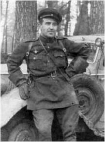 Командир автороты - Александр Сергеевич Капцов.