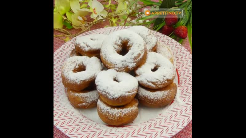 Маленькая сладкая радость - картофельные пончики с сахарной пудрой!