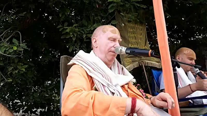 8 ноября Враджа мандала парикрама Говардхан парикрама Продолжение лекции в храме Радха Говинды