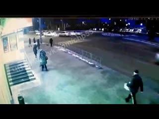 Момент аварии на ул. 10 лет Октября ().mp4