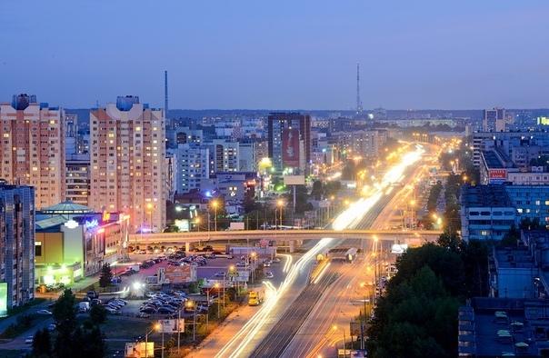 Проспект Ямашева первая в Казани (наряду с улицей Зорге прямолинейная шестиполосная магистраль, протянувшаяся на более чем 6 километров.Ямашев Хусаин Мингазетдинович - интеллигент, бунтарь и