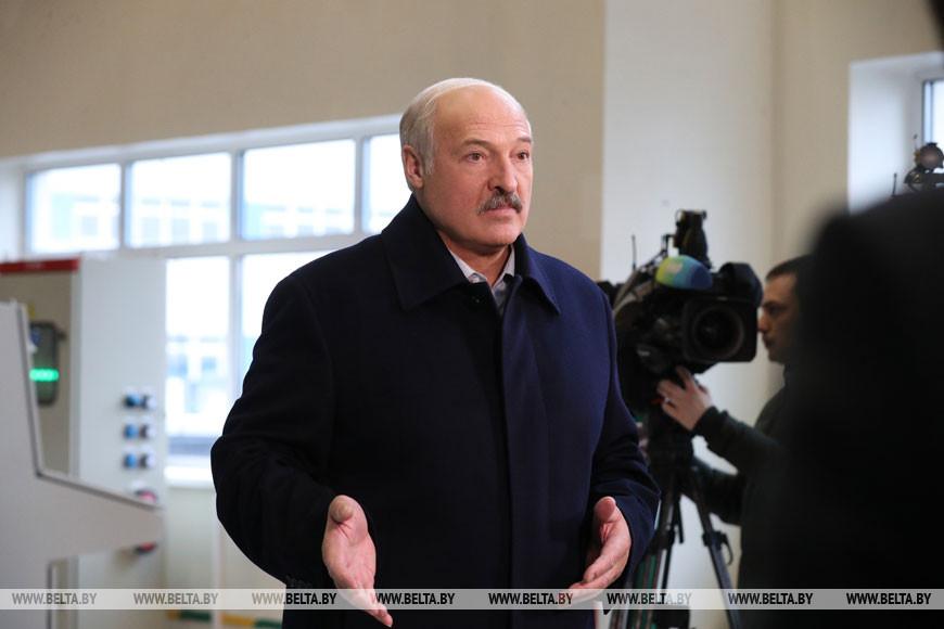 """Лукашенко рассказал про взятки директоров сахарных заводов: у них была """"прокладка"""" в Москве"""