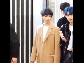 We have dark blue hair beomgyu and blue hair yeonjun....
