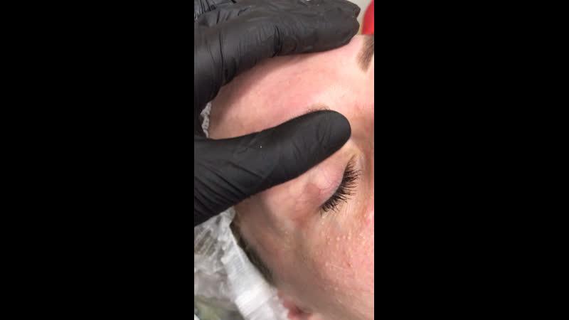 Пудровые бровки сразу после процедуры