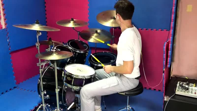 Mötley Crüe Kickstart My Heart drum cover by Danny Blaze