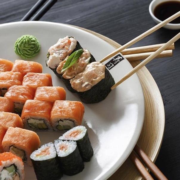 Суші і роли - японська кухня