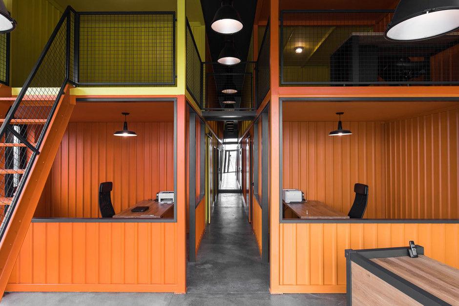 Офис в Польше в духе домов из контейнеров