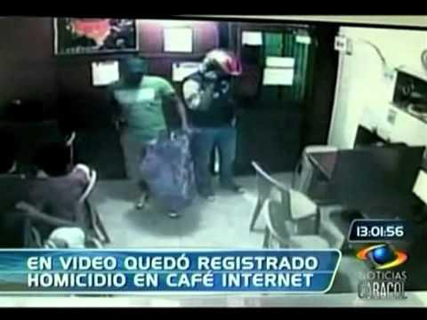 En video quedó registrado robo a café internet