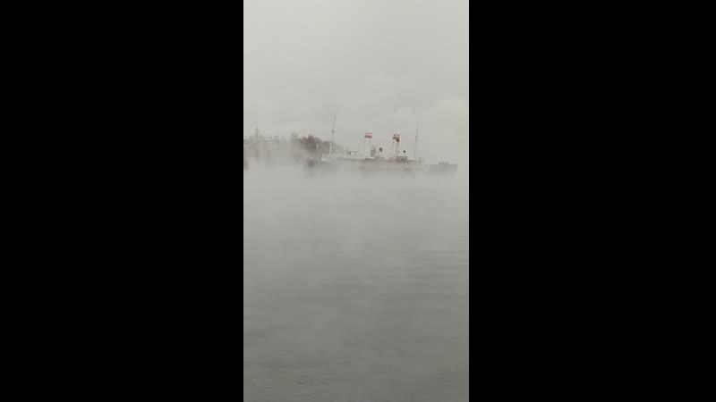 ледокол ангара и туман над рекой