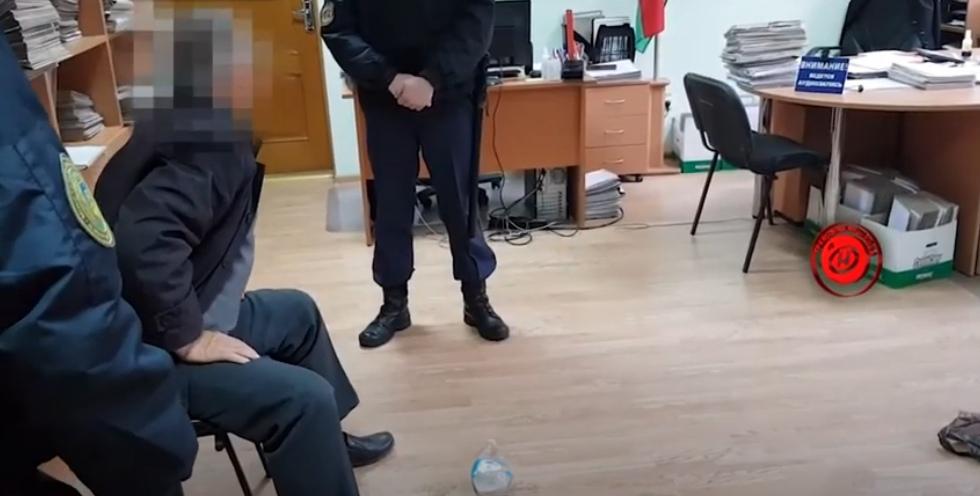 Показываем видео с места преступления, где в МРЭО стреляли в начальника