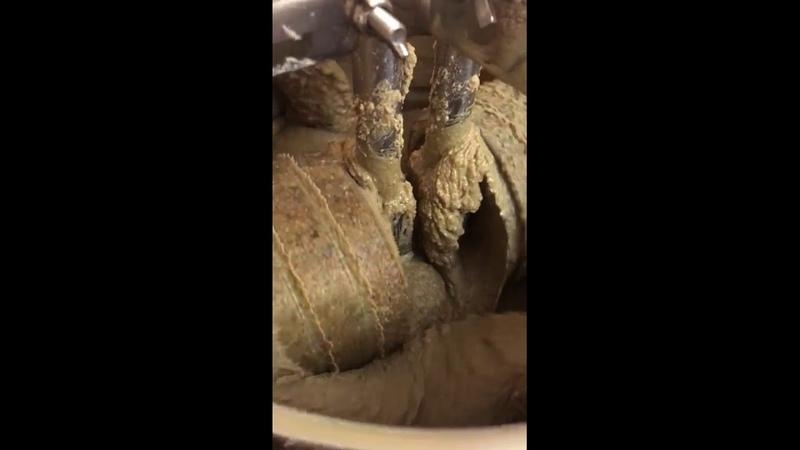 Производители меланжеров используют настоящие и безвредные жернова от АРТЕЛИ РЕМЕСЛЕННИКОВ КАМЕНОТЕС