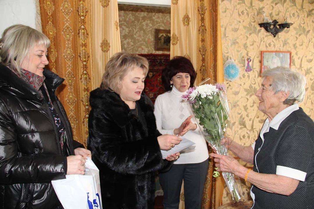 Петровчанку Валентину Михайловну БАКУРСКУЮ поздравили с 95-летним юбилеем