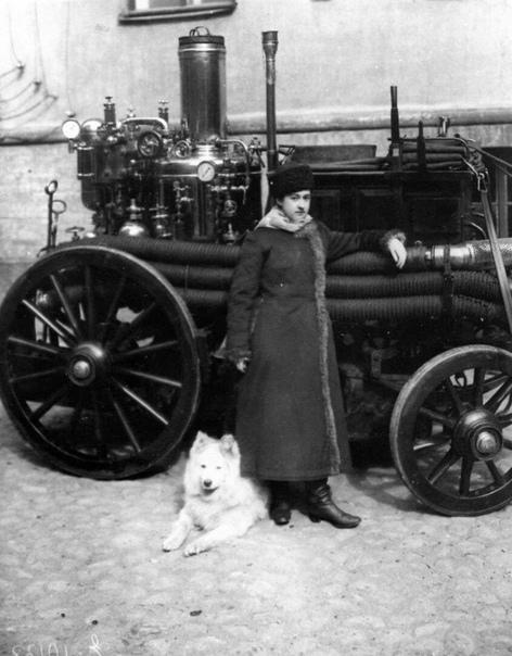 Первая женщина-пожарный Российской Империи Мария Алексеевна Ермолова (Санкт-Петербург, 1910 год