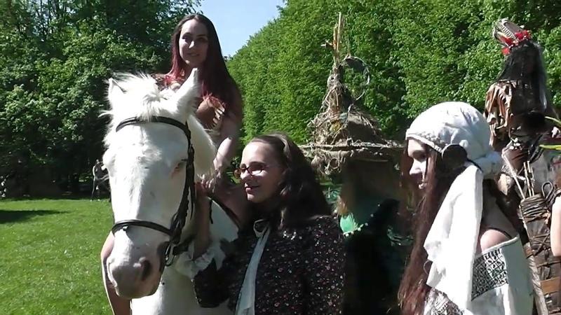 Танцующие кони Ирины Раушен