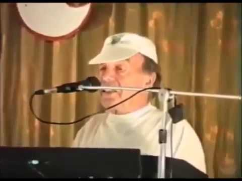 поёт Владимир Шаинский
