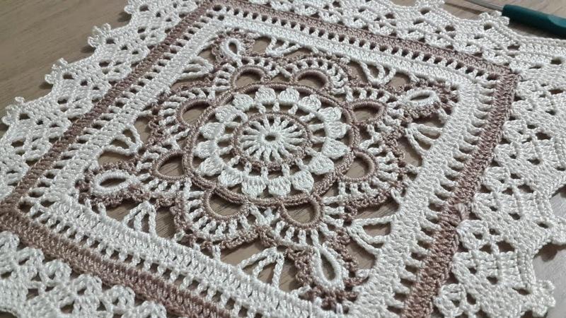 Tığişi Örgü Kare Dantel Yapımı, Renkli iplerle tek parça sehpa örtüsü Crochet doily 3