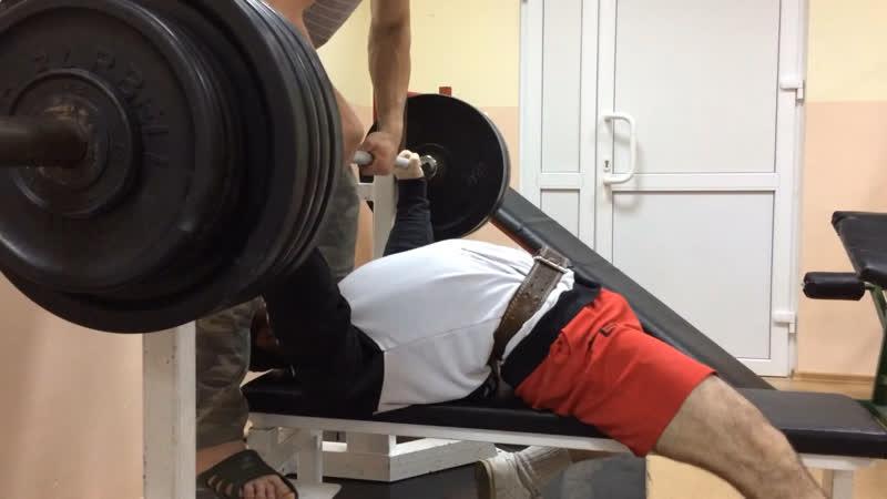 Эльбрус Мамалиев жим лёжа 202 5 кг