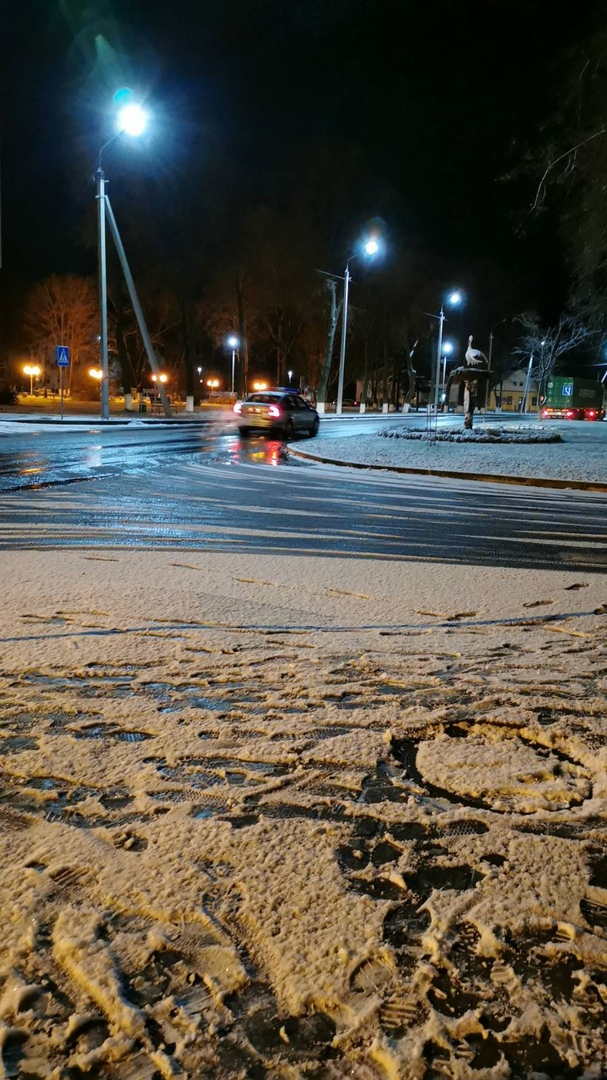 Первый робкий снежок попугал водителей. Но то ли ещё будет!