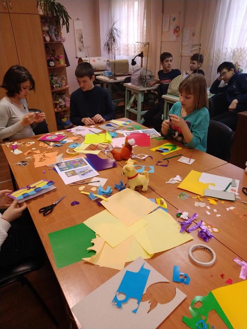 донецкая республиканская библиотека для детей, отдел обслуживания учащихся 5-9 классов, международный женский день, занятия с детьми