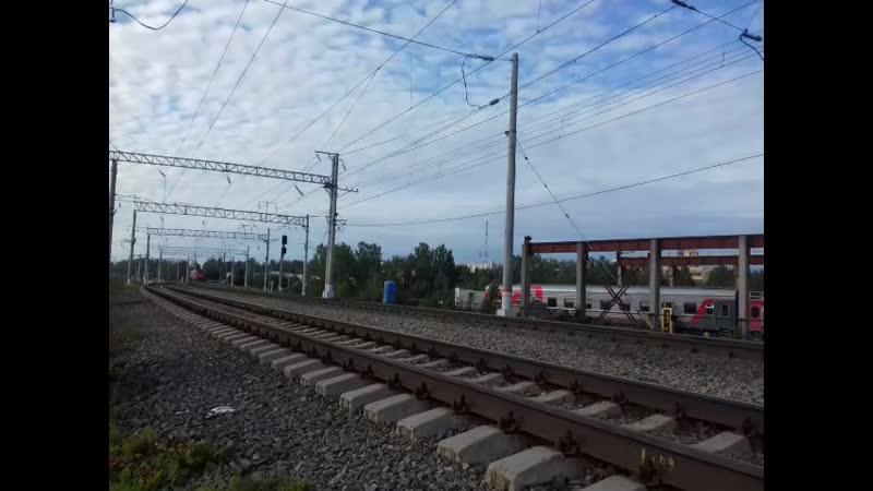 ЭП1 100 и ТЭП70 242 Следуют резервом Петрозаводск Бешеный машинист