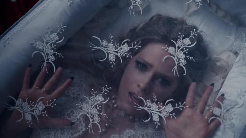 Avril Lavigne - I Fell In Love With The Devil Avri Avr Av A Lavign Lavig Lavi Lav La L f fe fel i lo w wi wit t th d de dev devi