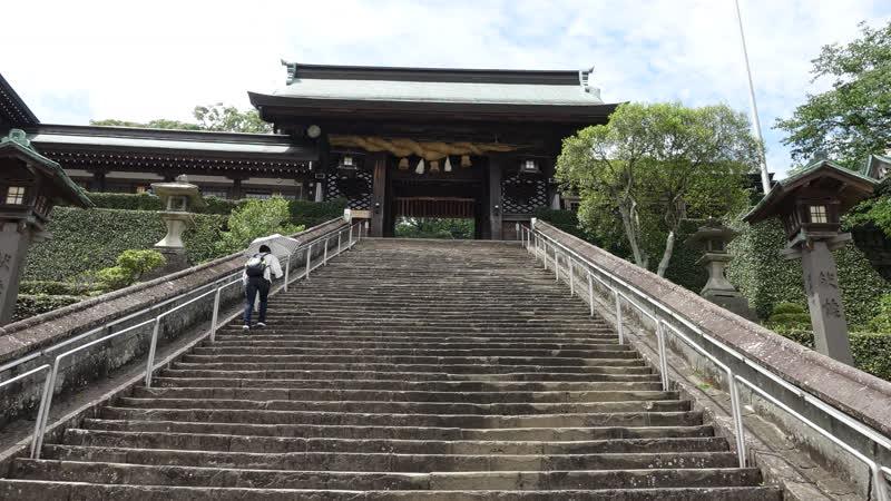 Посещение Сува дзинзя и керамических ворот тори в Миядзи Сакаи