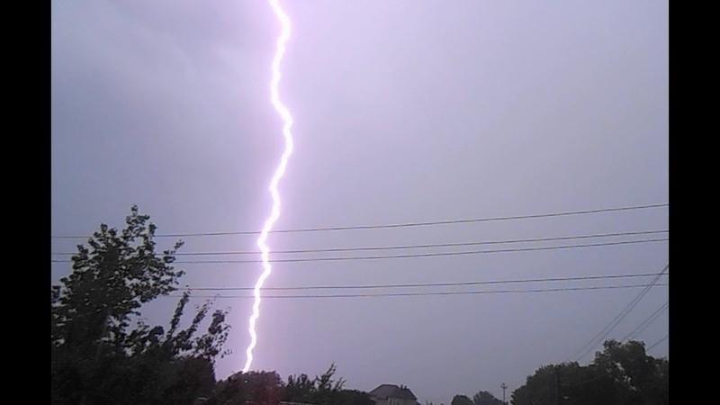 Близкие удары молний во время грозы в Гомеле 27 июня 2019 Meteothica