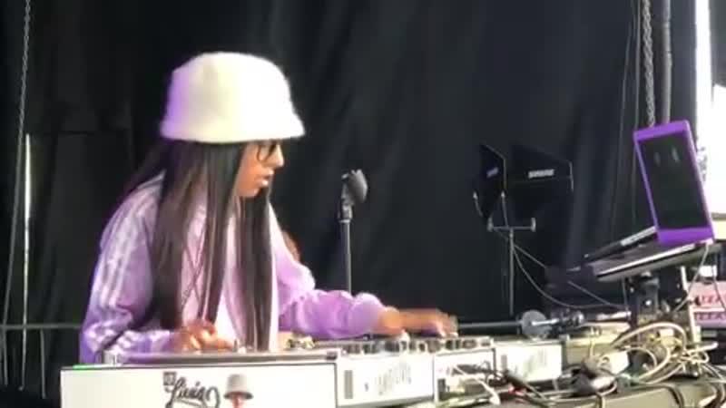 DJ Livia live