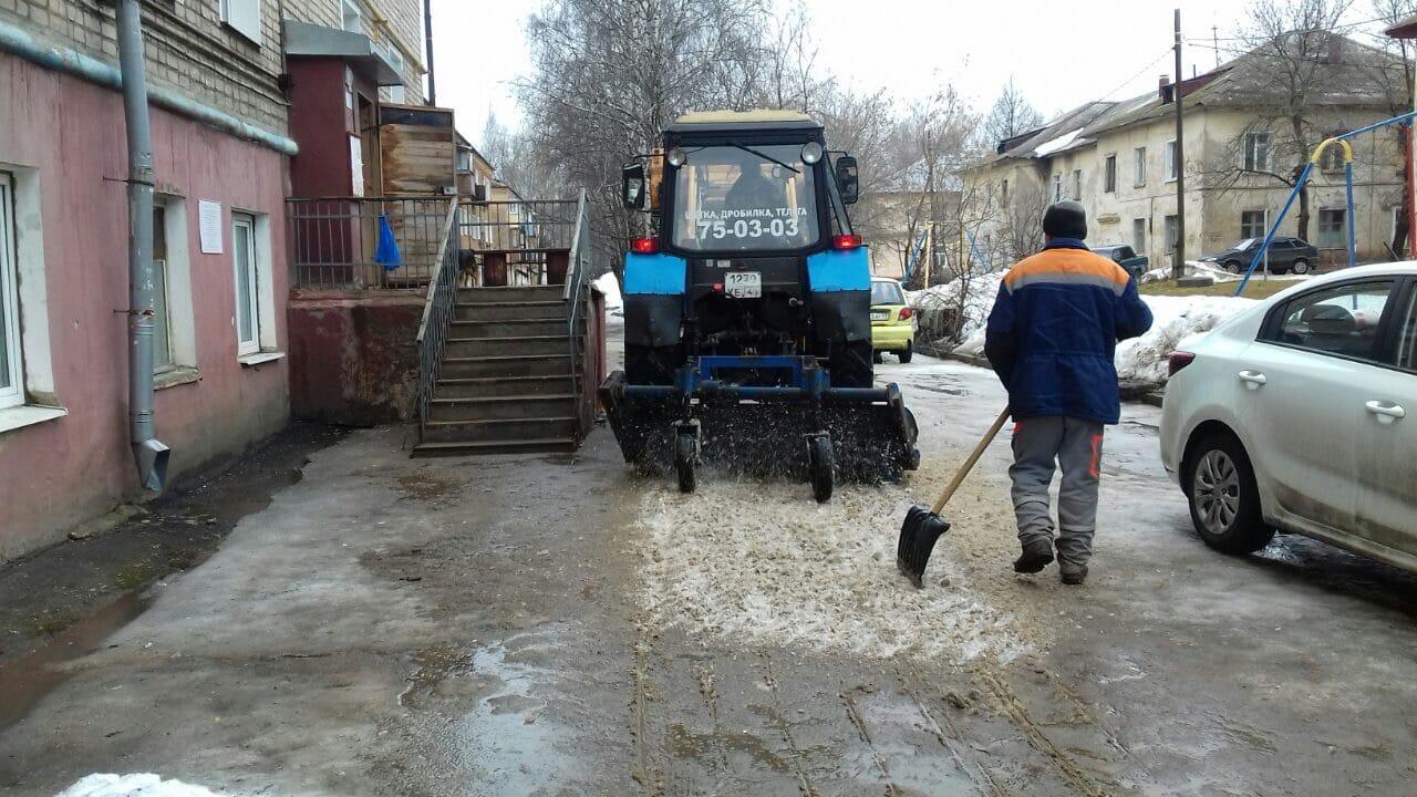 Улица Большева и улица Цеховая очистка территории