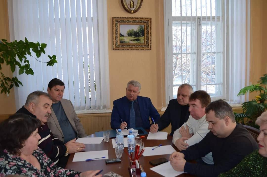 Депутаты городского Совета и районного Собрания провели совместное заседание, на котором обсудили ситуацию со снижением финансирования Петровской районной больницы