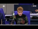 AfD-MdB führt grüne Politikerin vor: »Ich frage Sie, Frau Roth…?«