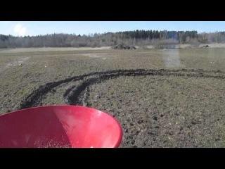 Подкормка озимой пшеницы тракторами МТЗ 50 (2014)