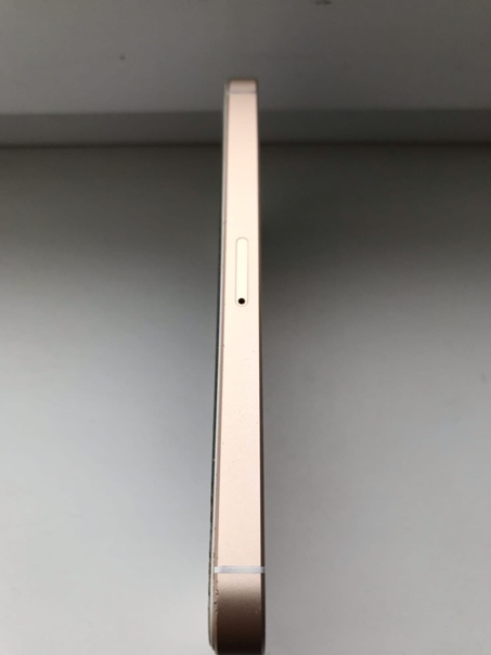 Apple iPhone SE 16 ГБ
