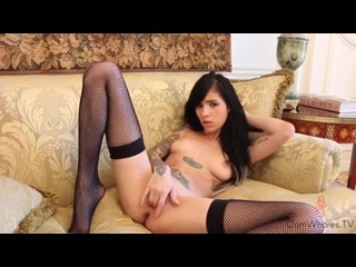 webcam young and skinny stockings girl