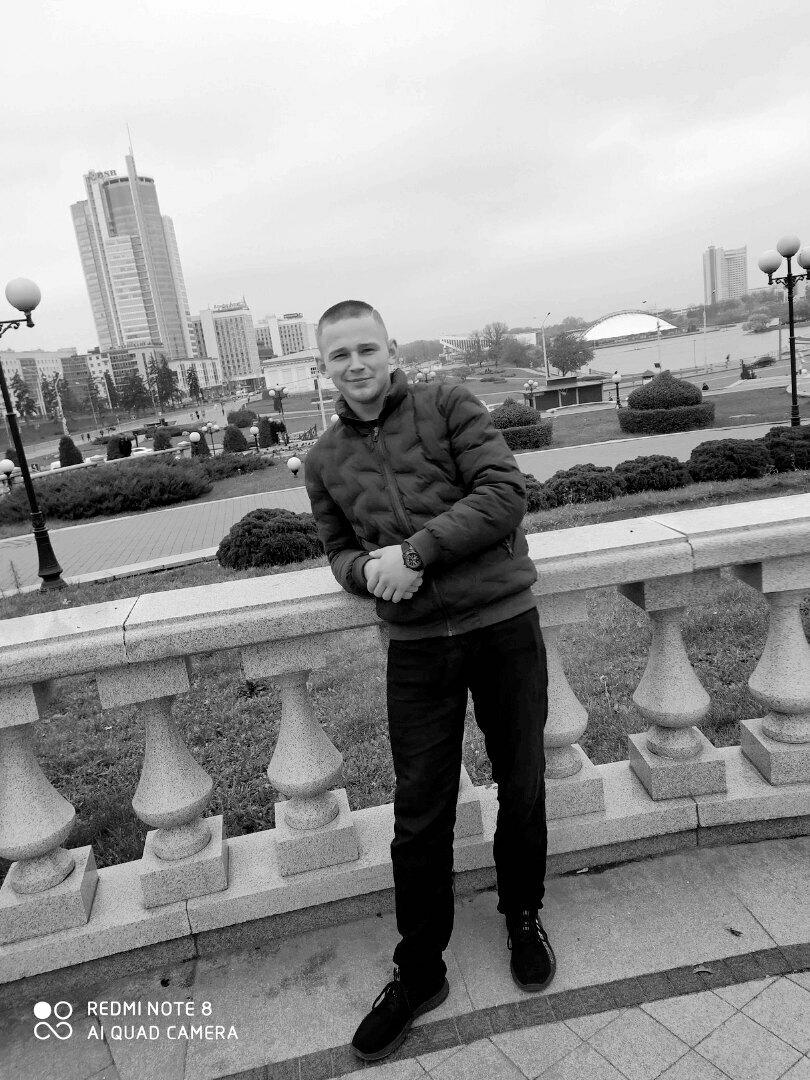 Олег, 21, Minsk
