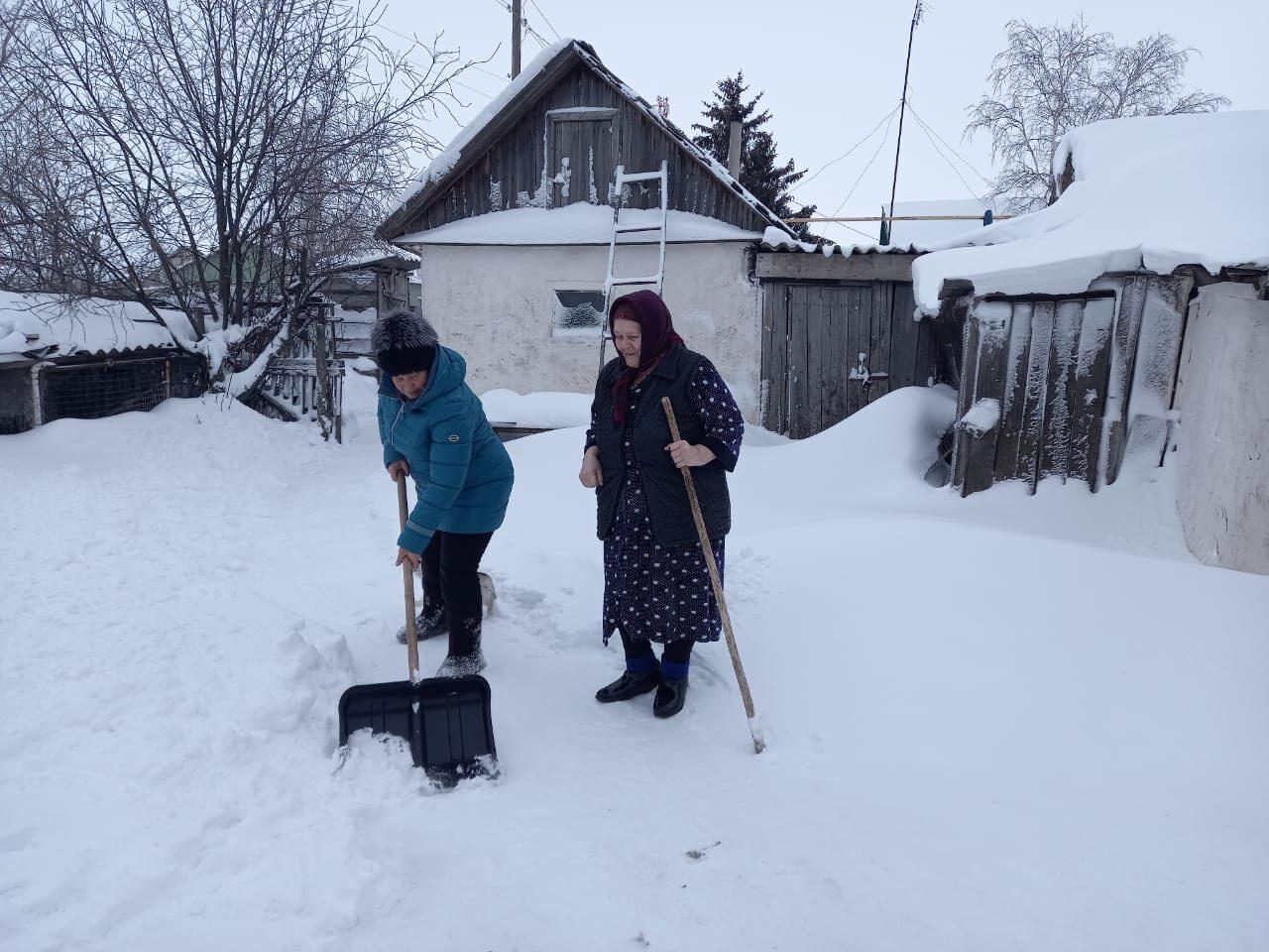 В Петровском районе продолжается благотворительная акция «Тропинка к дому»