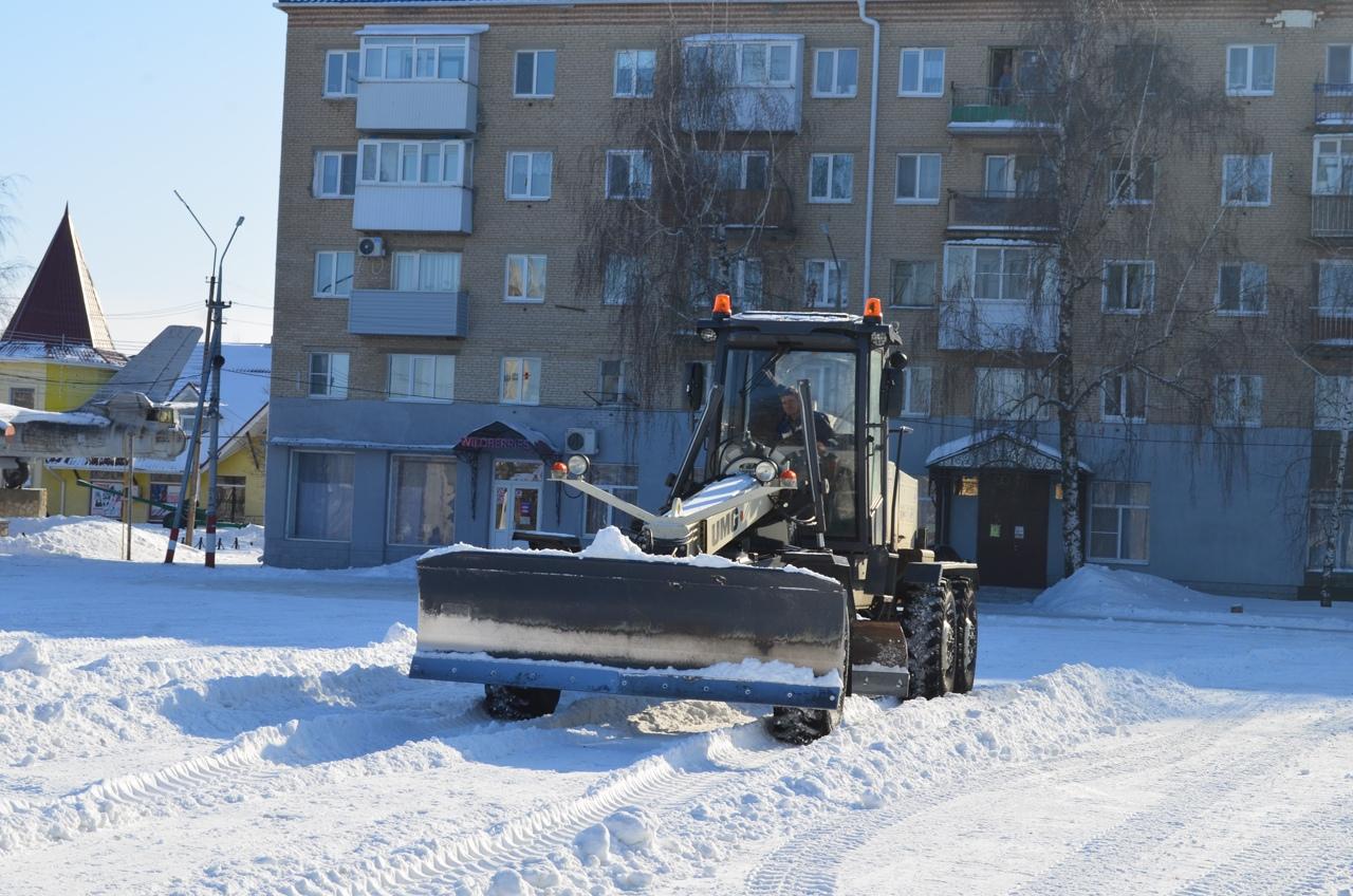 МКУ «Благоустройство» проводит плановые работы по уборке снега на территории Петровска