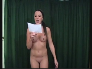 Jodie McCallum  nackt