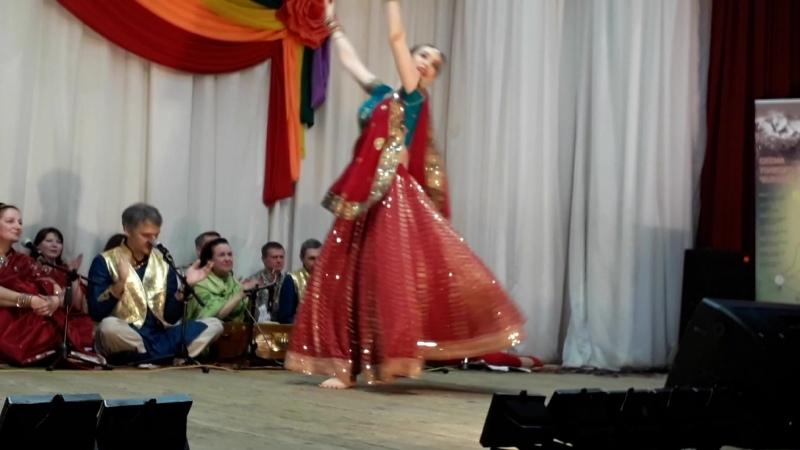 Индийский танец в стиле болливуд Инна Нехорошкина
