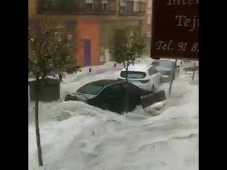 Мощный ливневый паводок в городе Арганда-дель-Рей (Испания, 26 августа 2019).