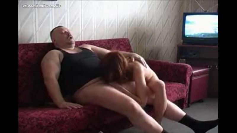 Соседский мужик ловко развел молодую гостью на домашний секс (porn, amature, uncle fuck nephew, seduce, step daughter, russian)