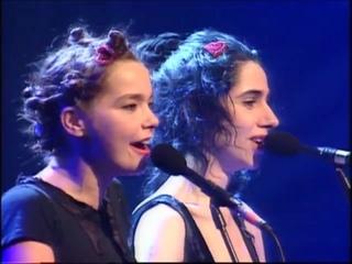 Bjork PJ_Harvey-I Can't Get No Satisfaction - Live BRIT Awards - 1994