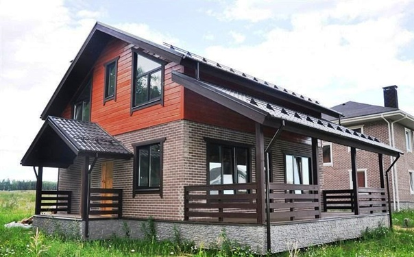 Дом из кирпича и бруса.Общая площадь – 170...