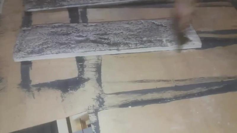 Покраска камня с помощью акрилового лака и колера для водоэмульсионных красок