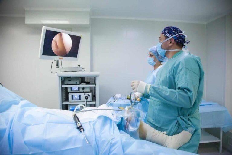 🤔 Челябинские врачи первыми на Урале начали использовать уникальный аппарат для...