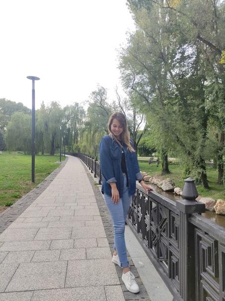 Вика Молчанова