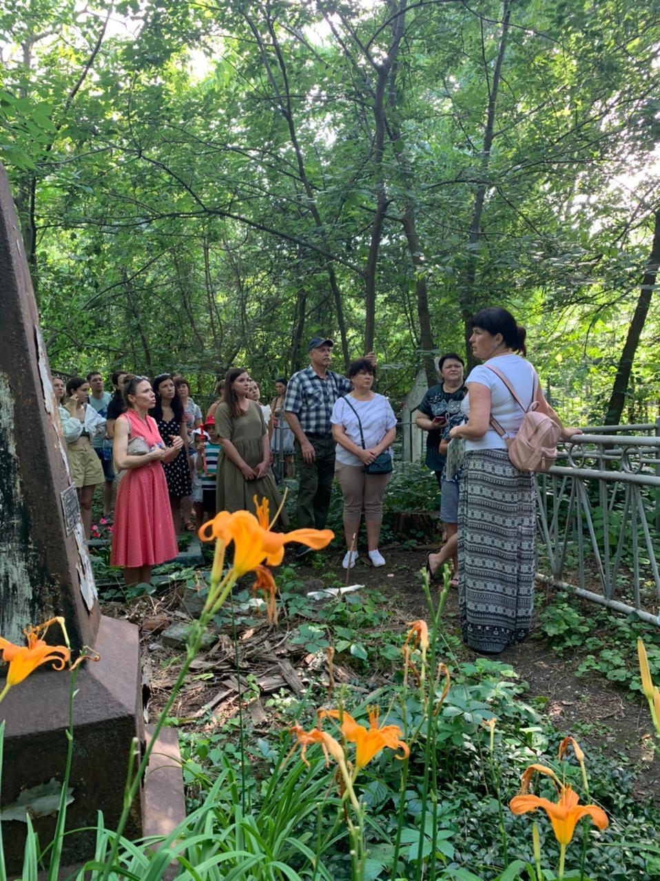 Экскурсия по старому кладбищу Таганрога