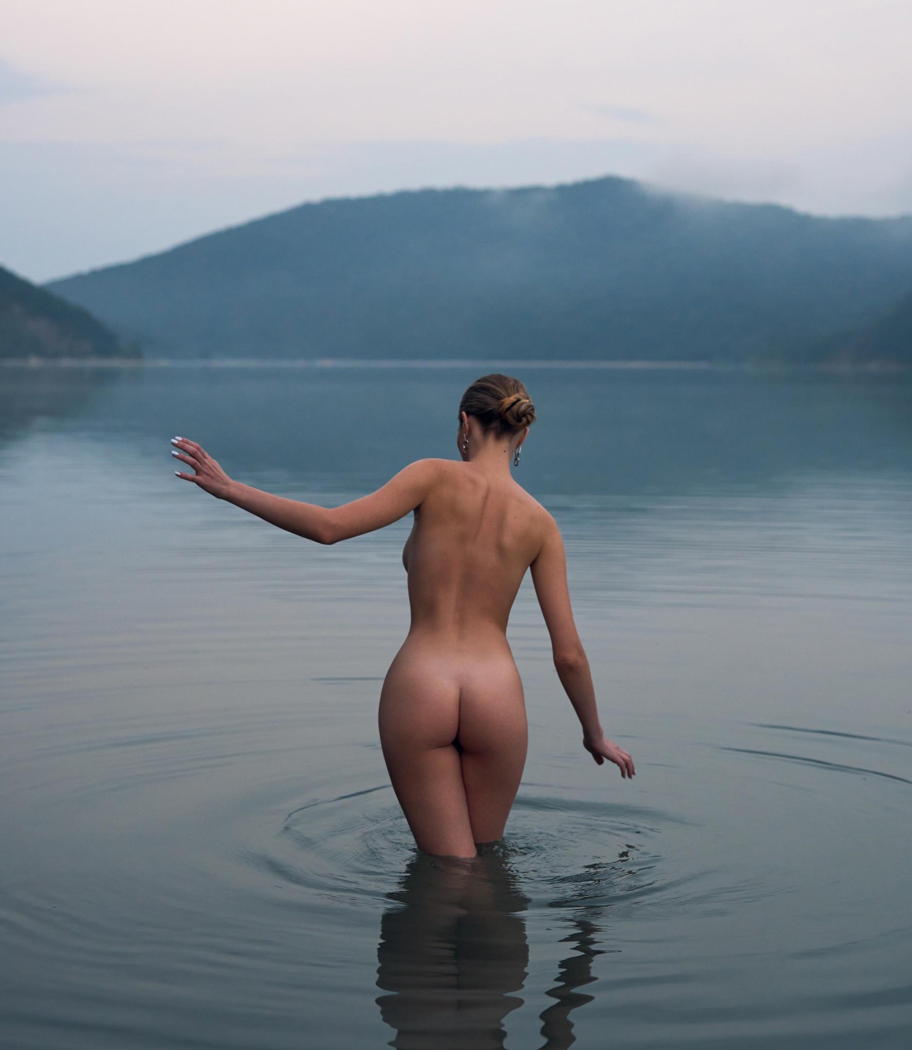 https://www.youngfolks.ru/pub/model-vasilisa-tyutneva-photographer-roman-filippov-113008
