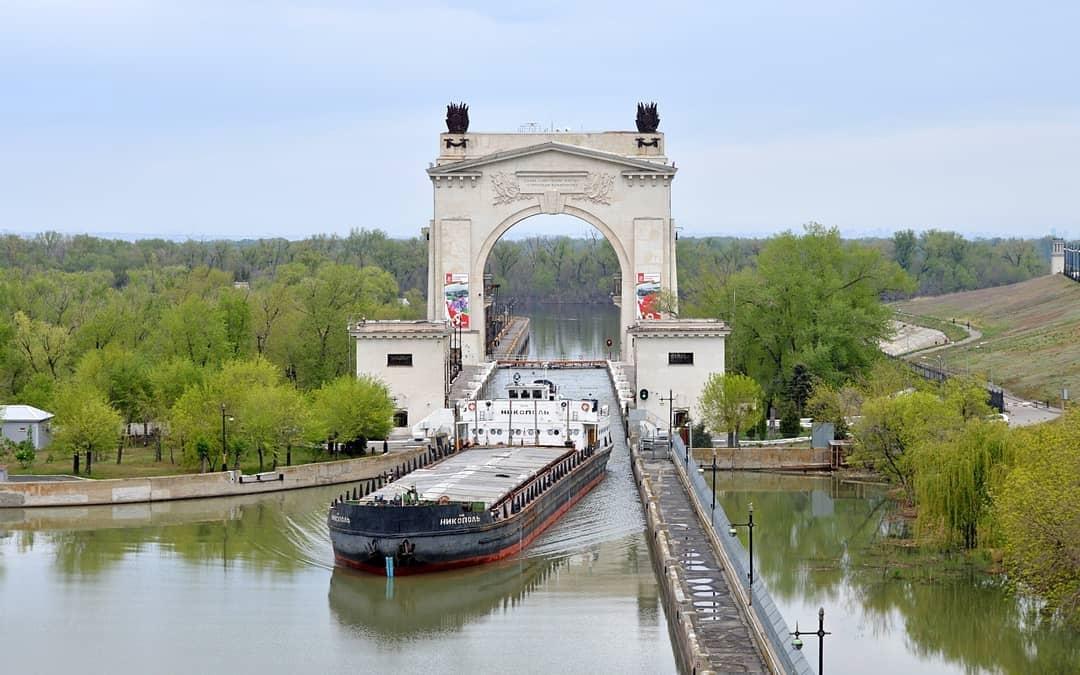 В этот день 69 лет назад, 27 июля 1952 года, состоялось торжественное открытие навигации по Волго-Донскому каналу