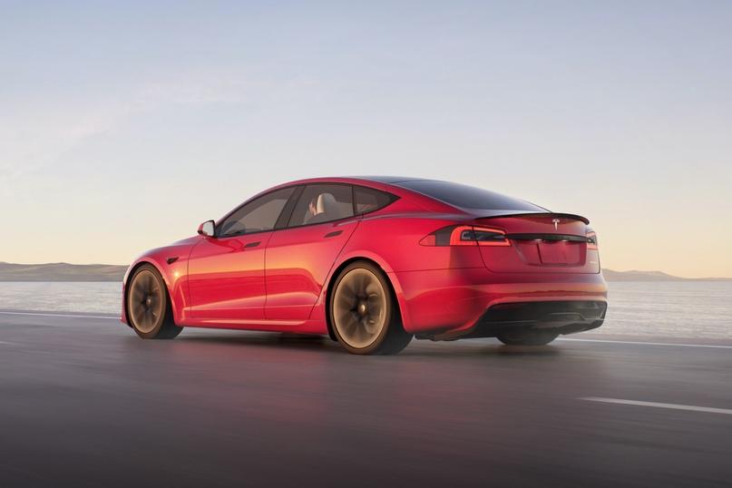 Tesla Model S Plaid разгоняется до 96 км/ч быстрее 2 с только на специально подготовленном покрытии.